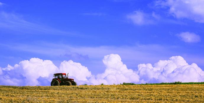 北海道の大地で繰り広げるダイナミックな農業