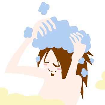 夏はシャンプーで薄毛をケア